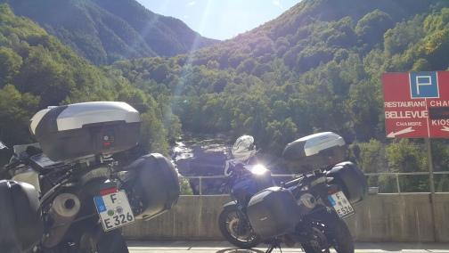 Bikes-at-Swiss-Border